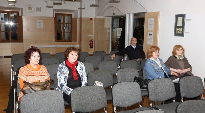 Ali je splošna kolektivna apatija članov v KDSŠ priložnost za spremembe?